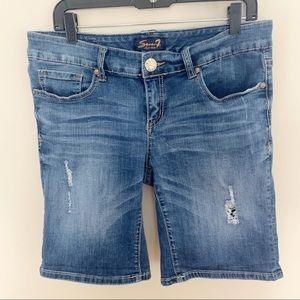 🌹3/$20🌹 Seven7 denim shorts size 12